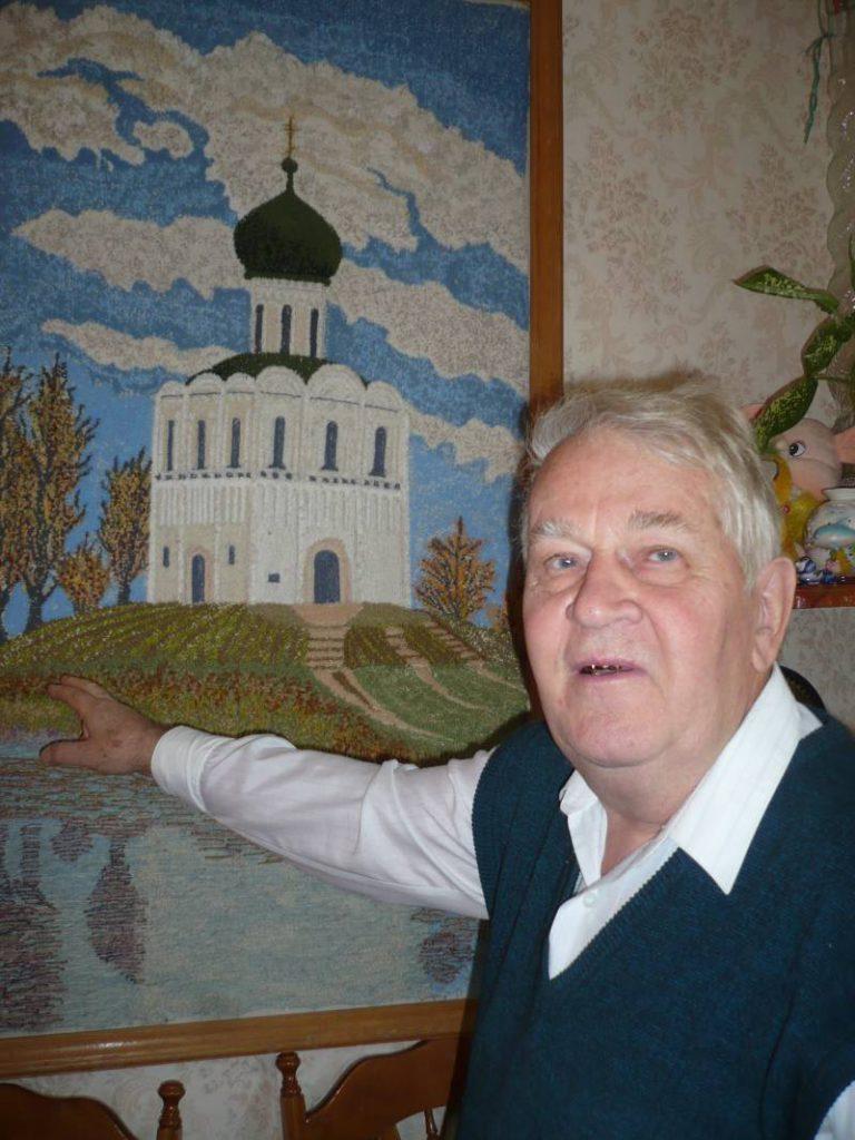 Владислав Смирнов и Покрова-на-Нерли. Фото: Галина Пилипенко