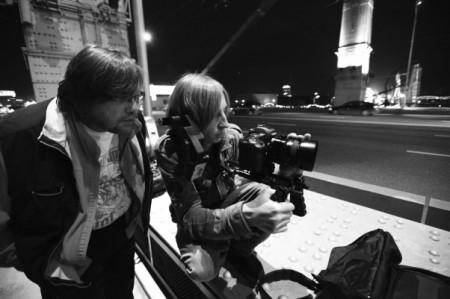 Эпизод прогулки Ирины и Игоря снимали на Крымском мосту. Все было хорошо, пока в 1 час ночи не выключили свет, пришлось доснимать в другую смену.
