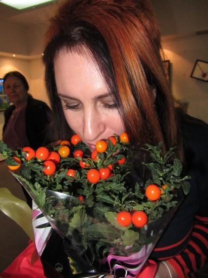 """Виктория Барвено. Вместо цветов получила """"полезные"""" помидоры. «Fluxus» (Флюксус)"""