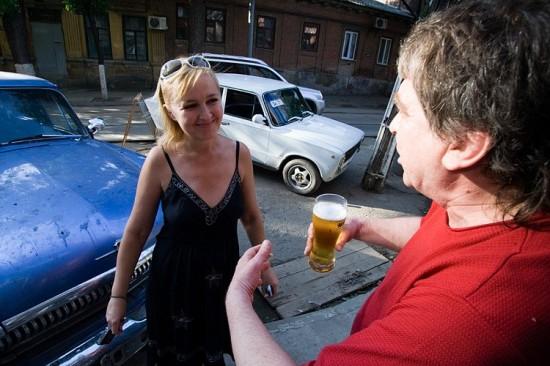 Галина Пилипенко, поэт Виталий Калашников. Фото: Андрей Крашеница