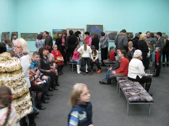 открытие выставки живописи Ольги Менжилий «Долгая прогулка»