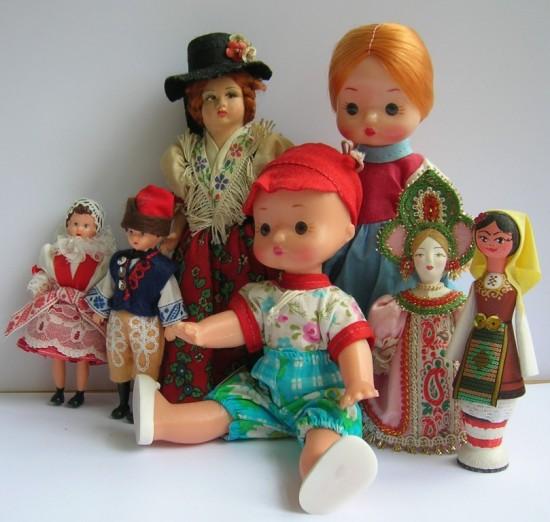 открывается выставка  кукол и медведей,  приуроченная  к Международному  дню защиты детей.