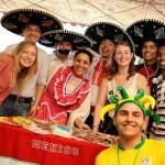 В Ростове: «чеканка» мяча по колумбийски, турецкая музыка, арабские танцы
