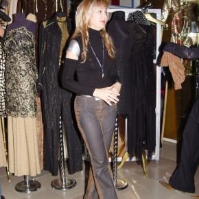 Галина Пилипенко ведущая программы Модная Линия в бутике дизайнера Матильды