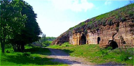 Система катакомб в Аксае ведут от Аксая до Азова