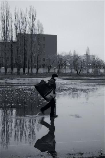 Персональную фотовыставку «СНОВАЧЕРКАССК» открыл дизайнер Валентин Картавенко