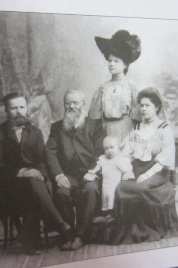 Семья Посиделовых и Корольковых. Ребенок - Сергей Корольков