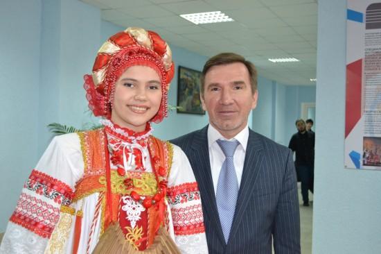 Ангелина Литвиненко и Игорь Гуськов - заместитель губернатора Ростовской области. Фото из архива Ангелины