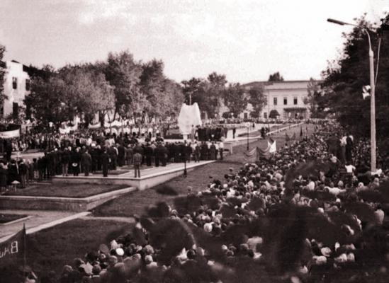 Митинг на открытии мемориала «Клятва юности», 28 августа 1973 года.