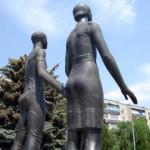 Пикет против переноса памятника «Клятва юности»