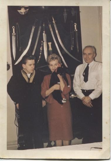 Семья  Корольковых  в США. Сергей Корольков - справа