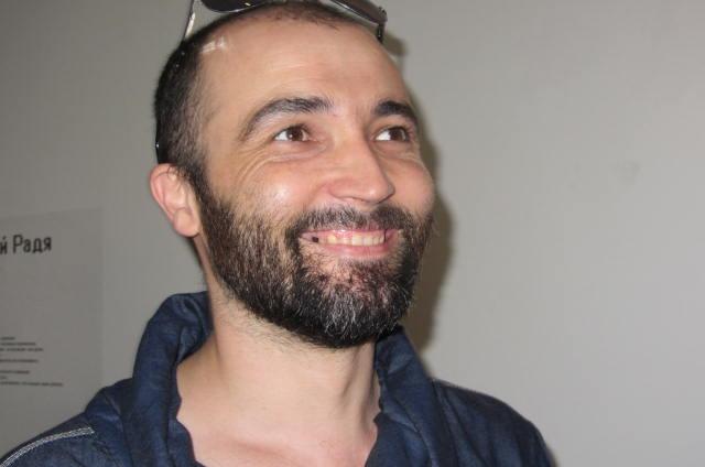 Саша Муравьев придумал выкрасить улицу Сарьяна в Ростове так, чтоб отличить их от полотен великого армянина стало невозможным!