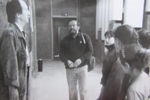 Валерий Кульченко и Михаил Соколенко в ДГПБ на открытии выставки детского рисунка. Май. 1996 г.