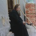 Митрополит на паперти, мальчик на границе с Украиной и другие герои