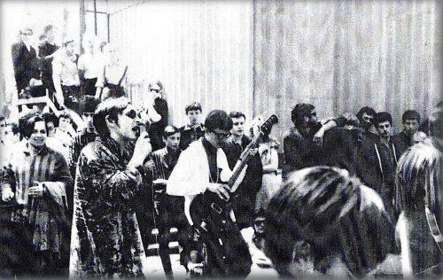 1969_05_09 Вудсток-на-Дону - выступление группы НЕУДАЧНИКИ