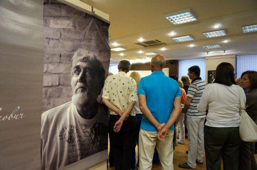 На выставке памяти Александра Токарева. Фото:Валентин Картавенко www.photographica.ru