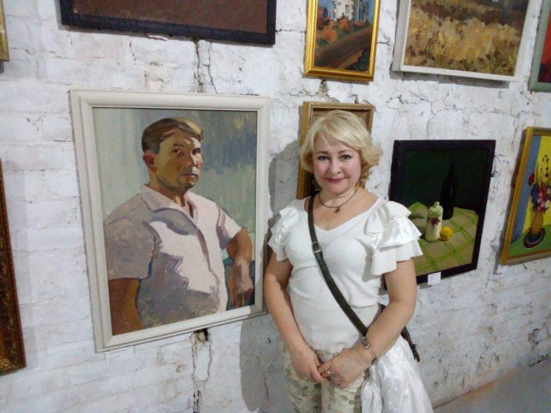 Людмила Андрейченко и автопортрет Тимофея Теряева