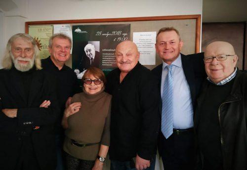 Актеры Николай Калинин (первый слева) Николай Чиндяйкин (четвёртый слева). Фото из архива Светланы Бахтеевой
